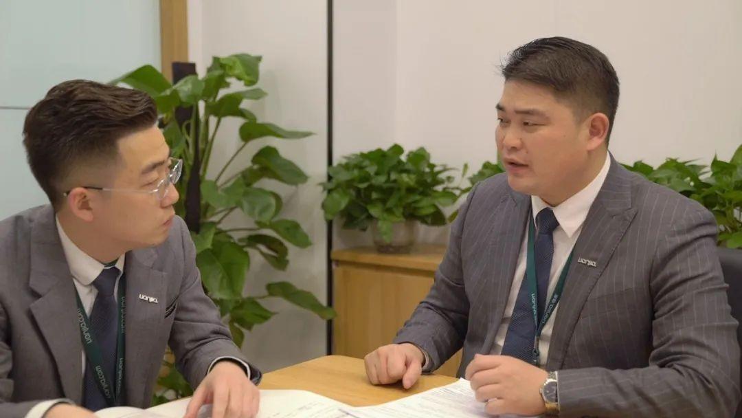 大学老师为爱下海,4年后当上名企高管:选对职业有多重要