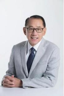 身怀担当的企业家楷模,杨受成的慈善之路