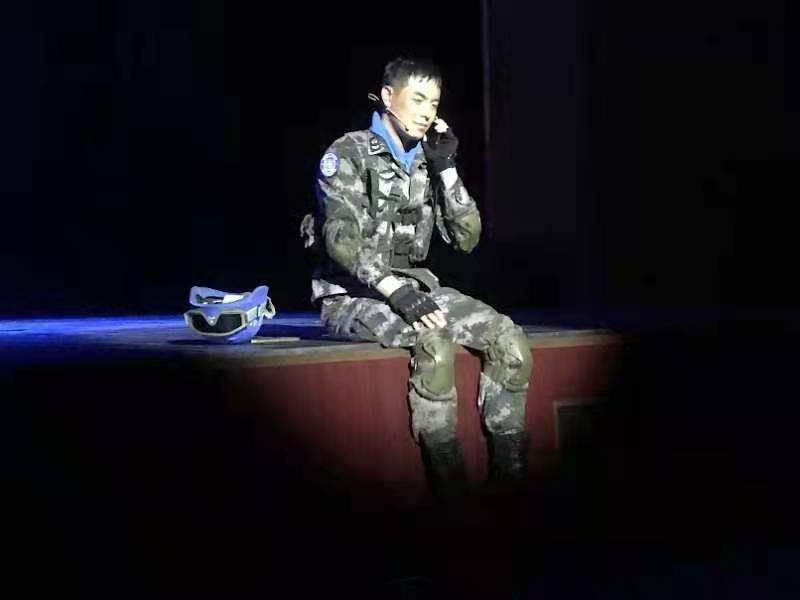 献礼建党100周年 话剧《人民英雄——申亮亮》公演