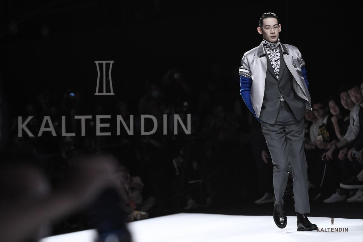 宝藏男装品牌卡尔丹顿亮相深圳时装周,演绎不一样的时尚态度!