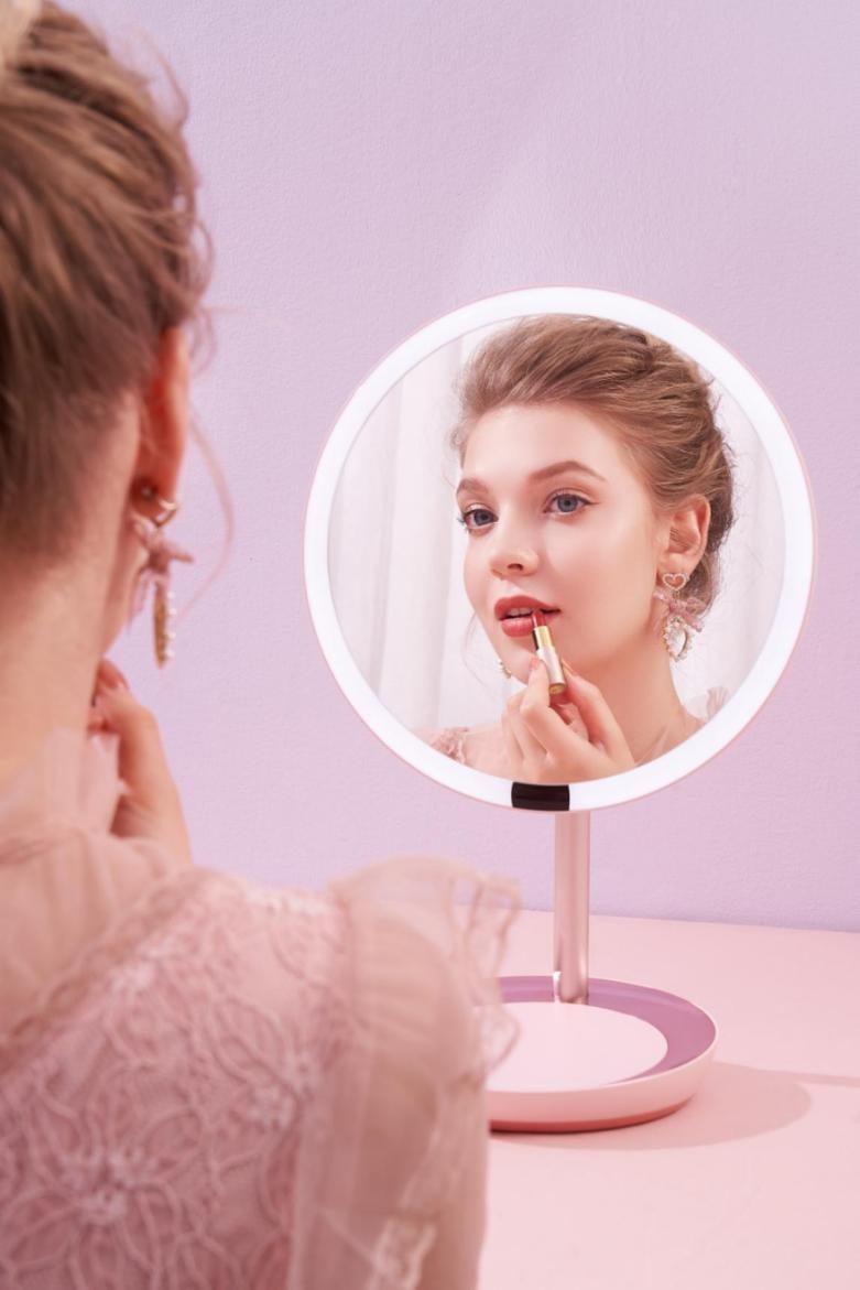 专业美妆镜品牌斐色耐新品上市 MUSE女神镜专为高级感氛围妆而设计-产业互联网