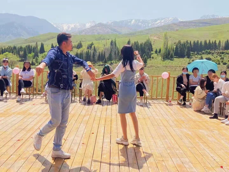 珍爱网联合新疆团组织举办五四专场交友联谊活动,服务青年人才