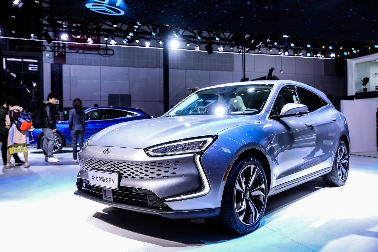 赛力斯华为智选SF5让新能源汽车满足一切需求成为可能