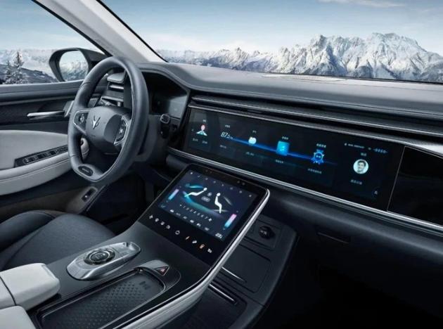 搭载高智能互联系统,北汽极狐阿尔法S缔造全新驾乘美学
