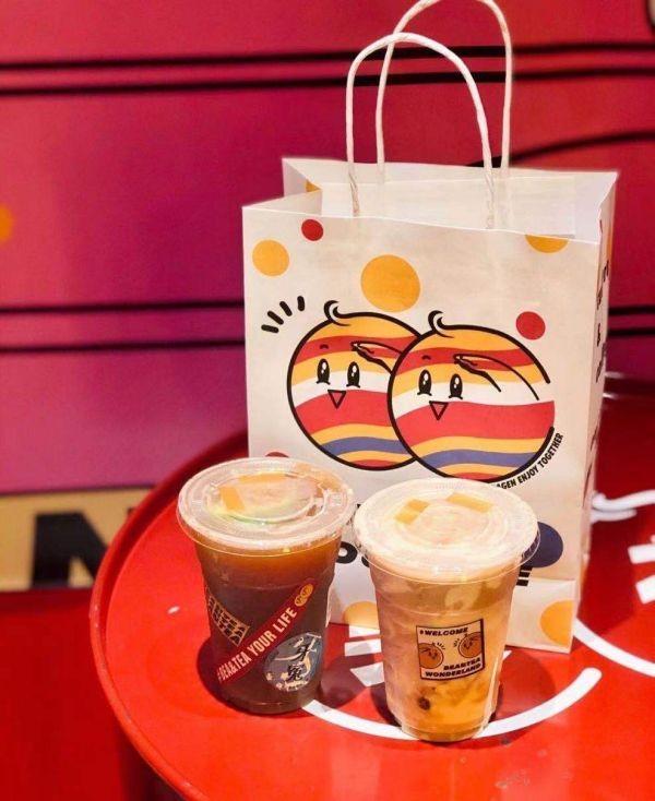 聚焦丨美茶餐饮集团无人机器人奶茶店,国内首家黑科技新中式