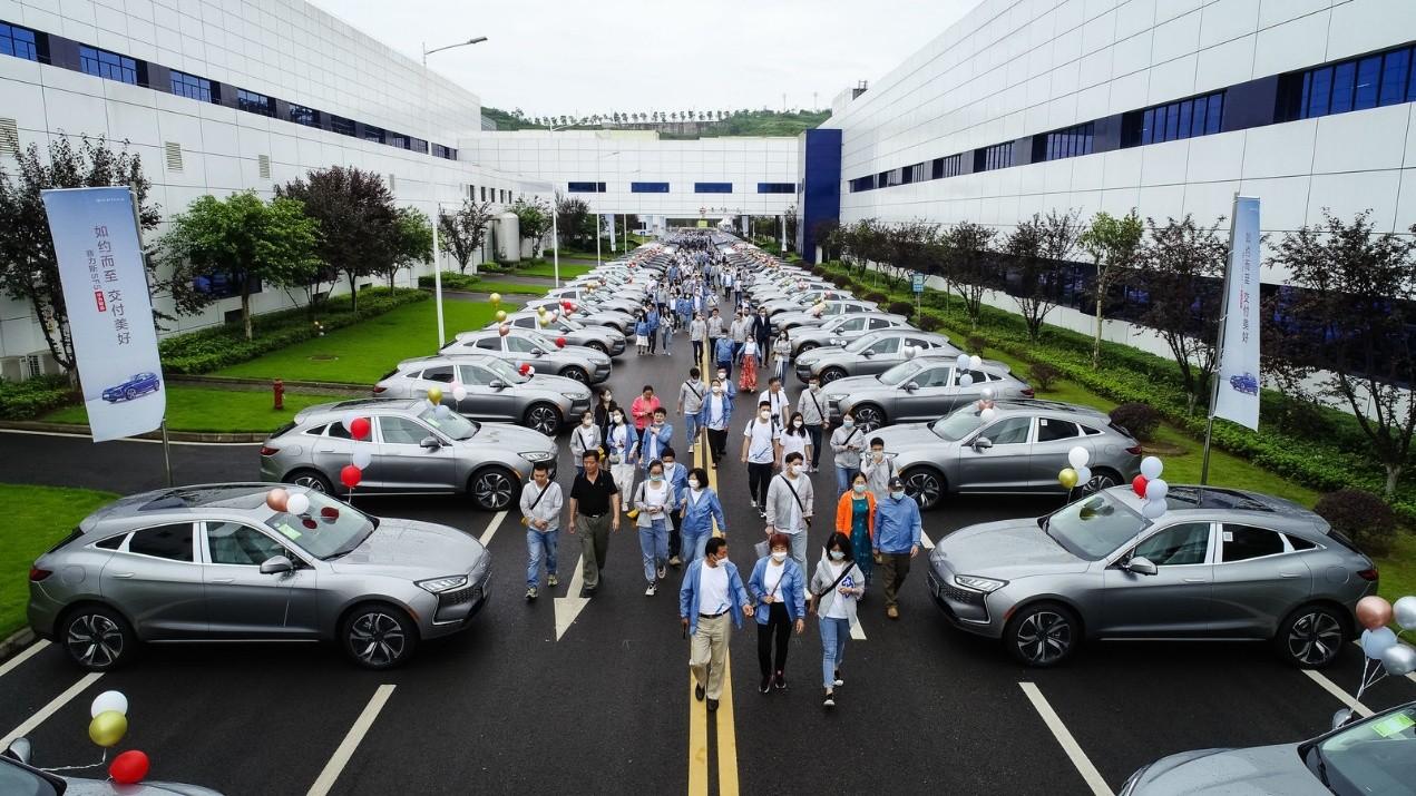 如约而至 交付美好 ——赛力斯华为智选SF5开启首批车主交付-第2张图片-汽车笔记网