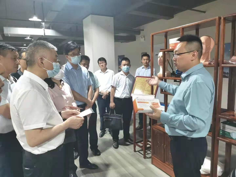 安徽省卫生健康委党组书记刘同柱一行考察盒子健康