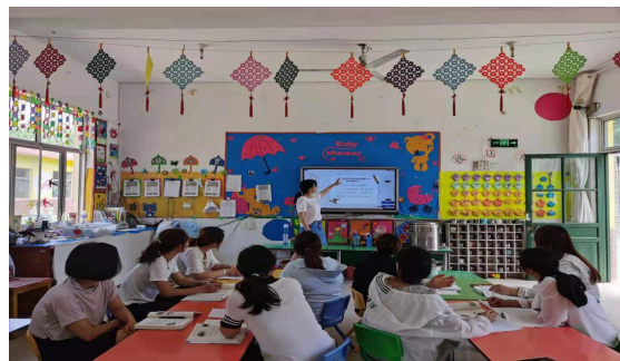 品味书香,读书与教师共成长-----沂水县圈里乡中心幼儿园教师读书活动