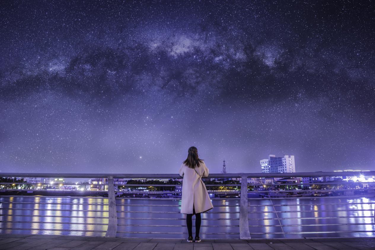 佘诗曼做客《新相亲大会》 珍爱网门店一对一服务寻找最美好的爱情