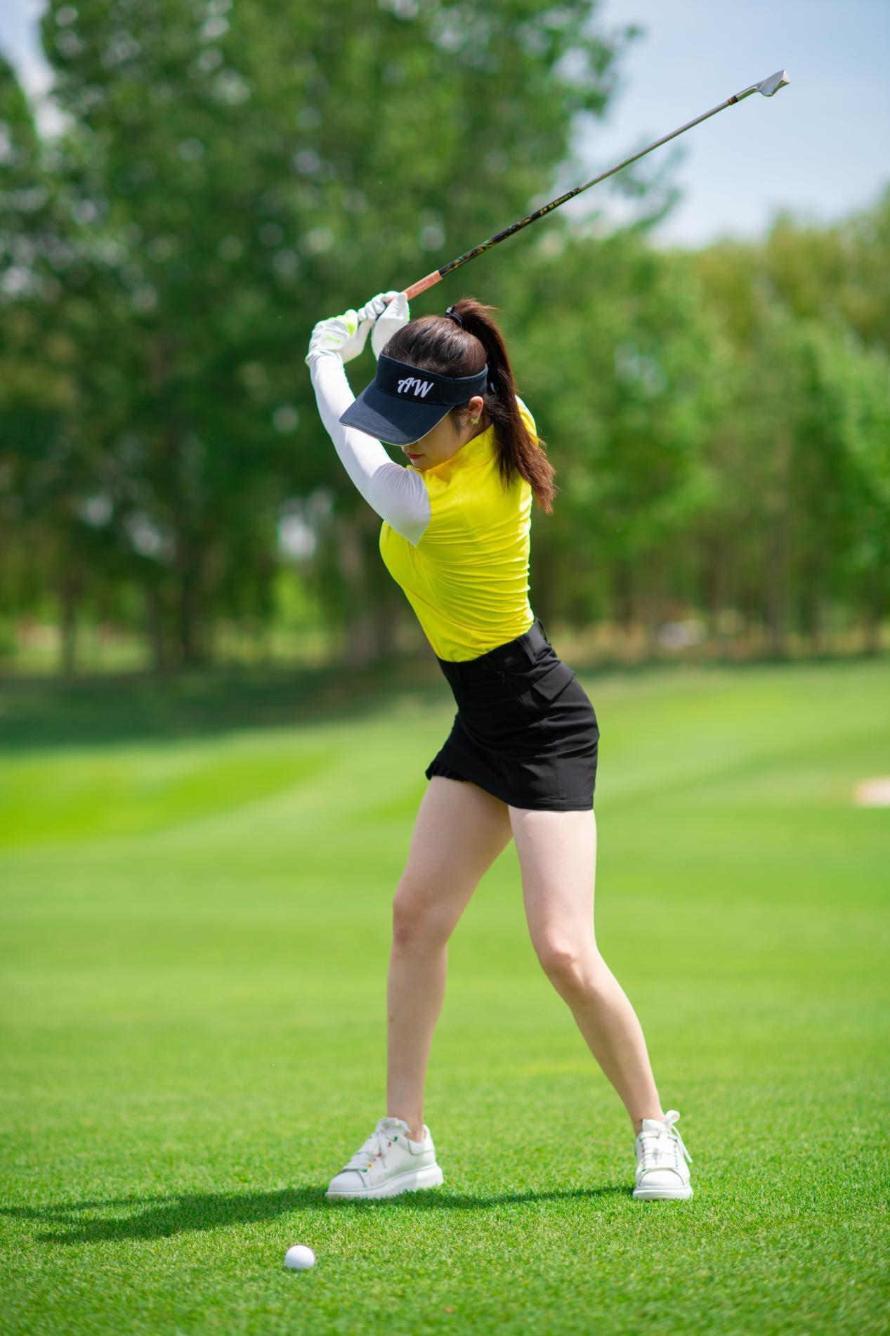 王府高尔夫-打造全网最高质量的运动女团、男团