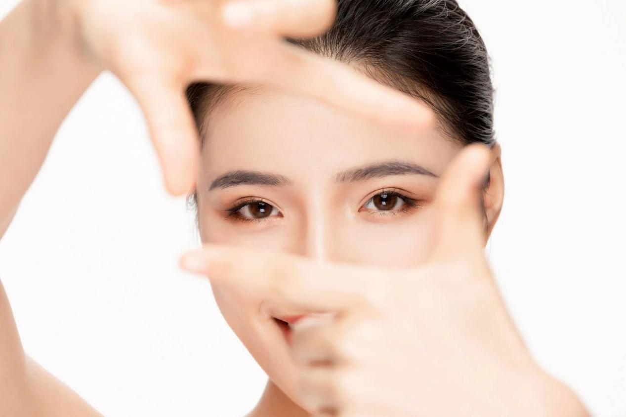 芙艾医疗漆广元医生告诉你为啥不是人人都能做埋线双眼皮?