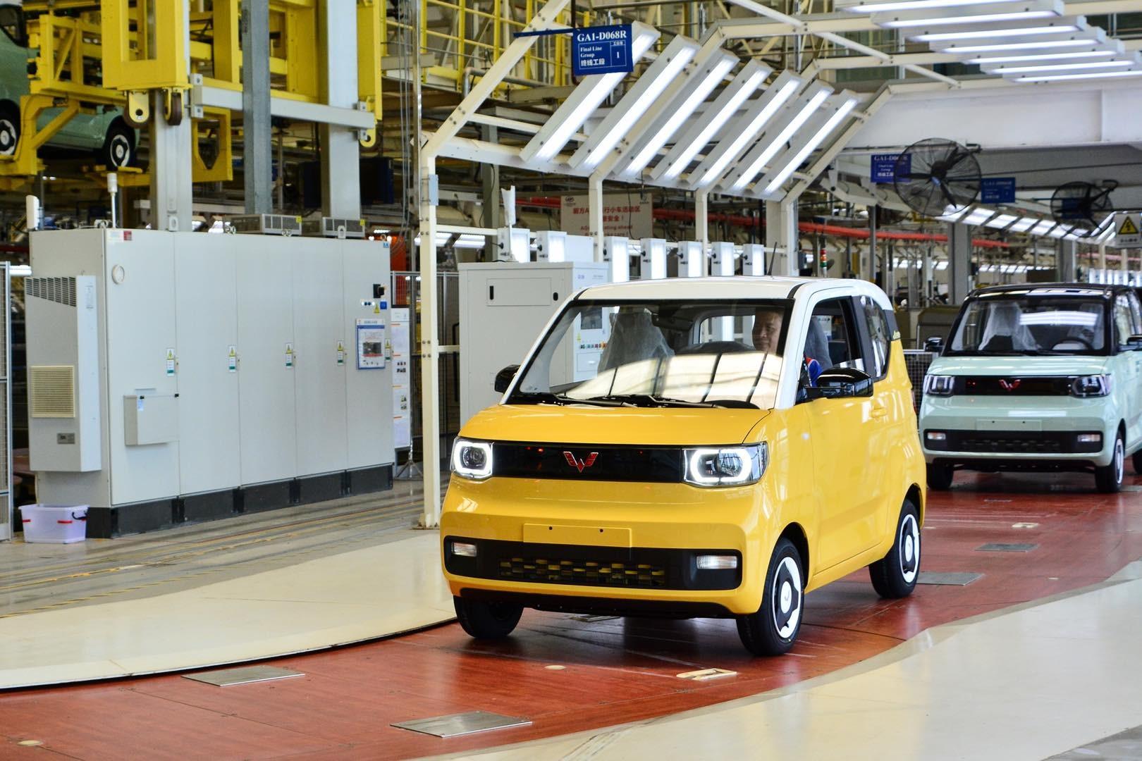 上汽通用五菱交出年中答卷 全系产品销售88.4万辆,新能源半年销量超去年全年!