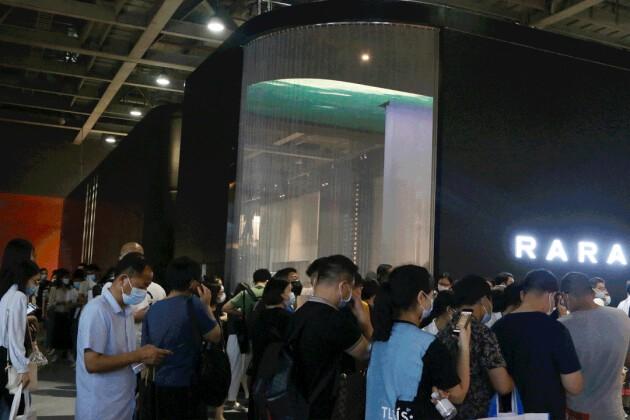 RARA携手黄志达,携2021全系新品强势登陆建博会,首日人流如潮,尽显标杆风范!