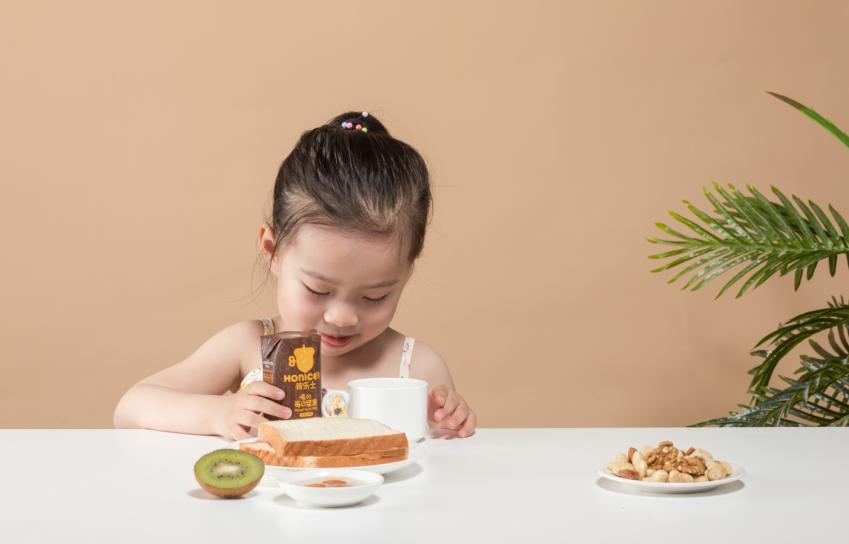 学龄前儿童如何进行营养补充?植物奶创新品牌荷乐士值得一试