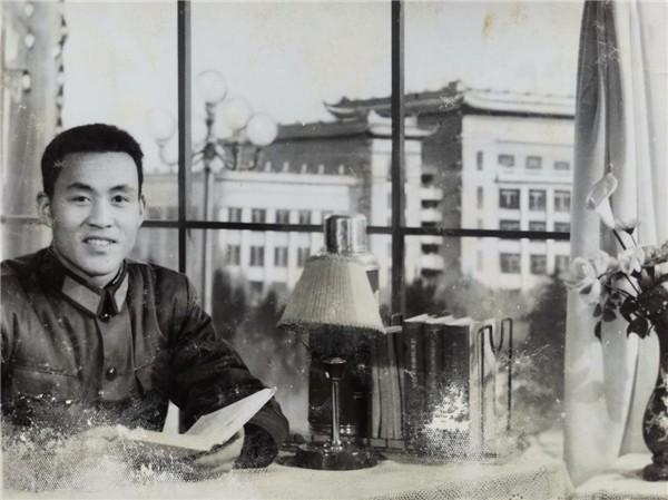 《耀我中华 扬我军威》国际艺坛交流使者——杨新平