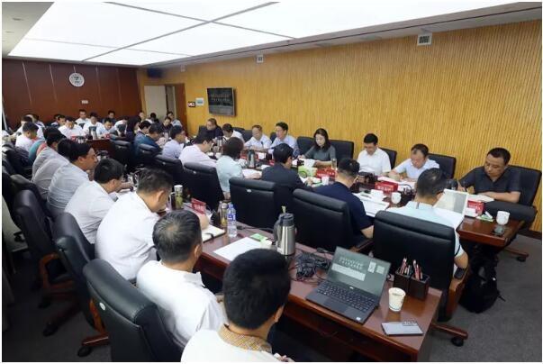 灸小白运营总裁黑猫先生受邀出席铜川市中医药产业发展专题会