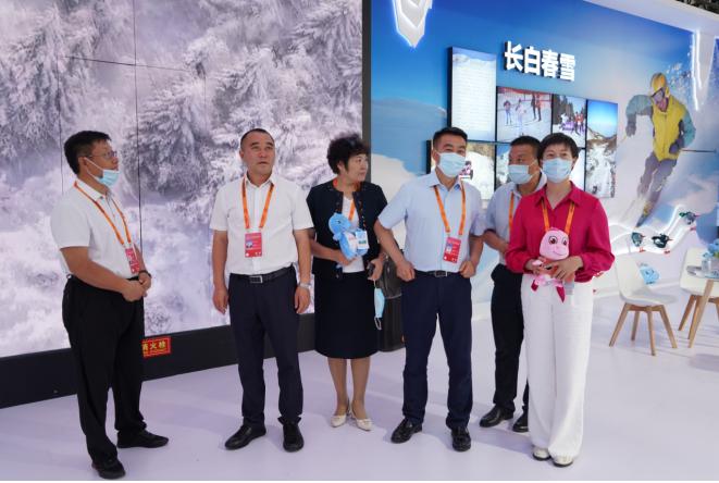 <b>2021国际冬季运动(北京)博览会 雪都阿勒泰精彩粉呈 圈粉无数</b>