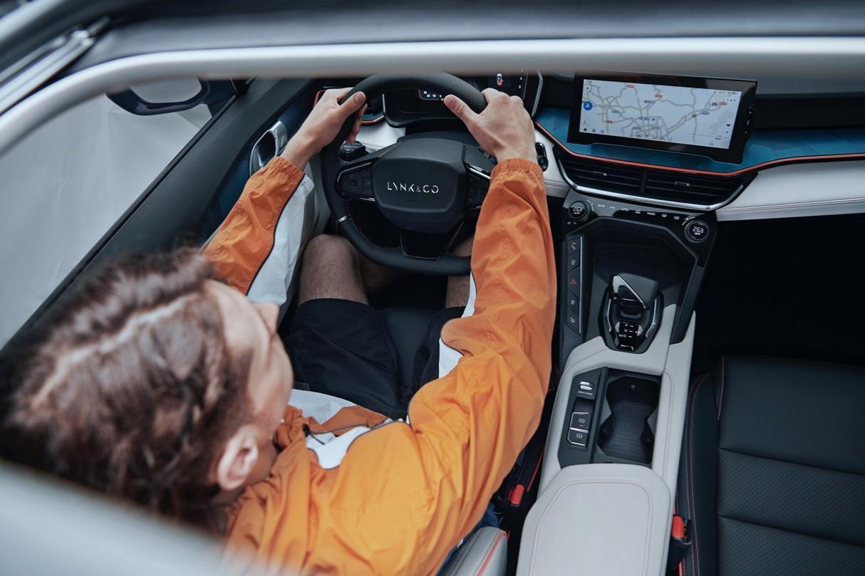 销量突破5.4万,领克06上市一周年成为Z世代领潮实力之选-第3张图片-汽车笔记网