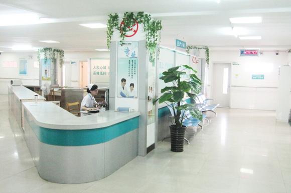 合肥瑞金肛肠医院正规吗 关心、理解患者从而换取他们的信任