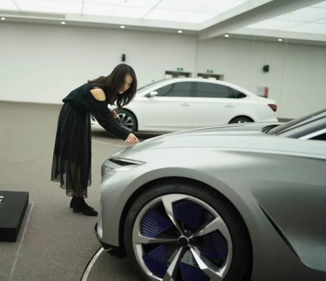 上汽Logo全新升级,旗下R汽车展现品牌强劲实力